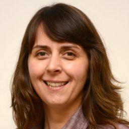 Dr. Ilona R